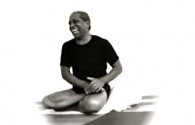 Manju Jois: Ubrat na pozicích, přidat na spiritualitě