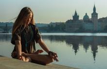 Jógová praxe v těžkém životním období