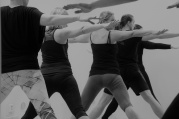Iyengar jóga: Paže - ramena, lokty, dlaně