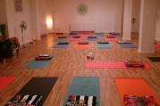 Hormonální jóga pro ženy - večerní měsíční kurz