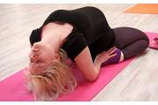 Těhotné ženy mohou navštěvovat hodiny klasické jógy.