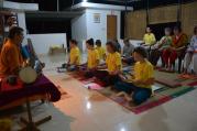 Satsang znamená být spolu v pravdě