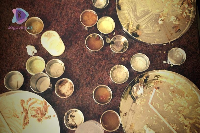 Každý si umyje svůj talíř sám