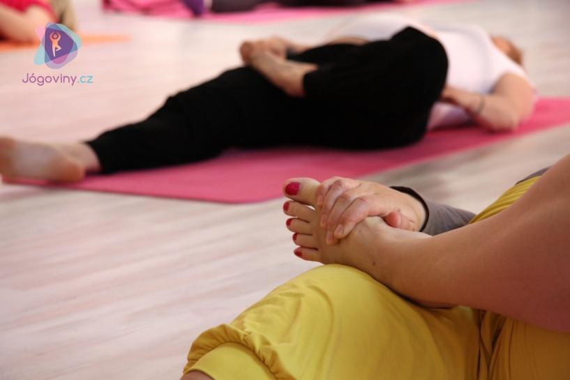 V těhotenství doporučuji navštěvovat kurz jemné jógy či gravid jógy.