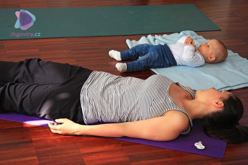 Které pozice můžu a které nesmím cvičit po porodu?