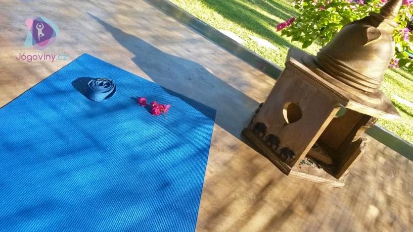 Jak začít s jógou a jak je to vlastně s batikovanými tričky