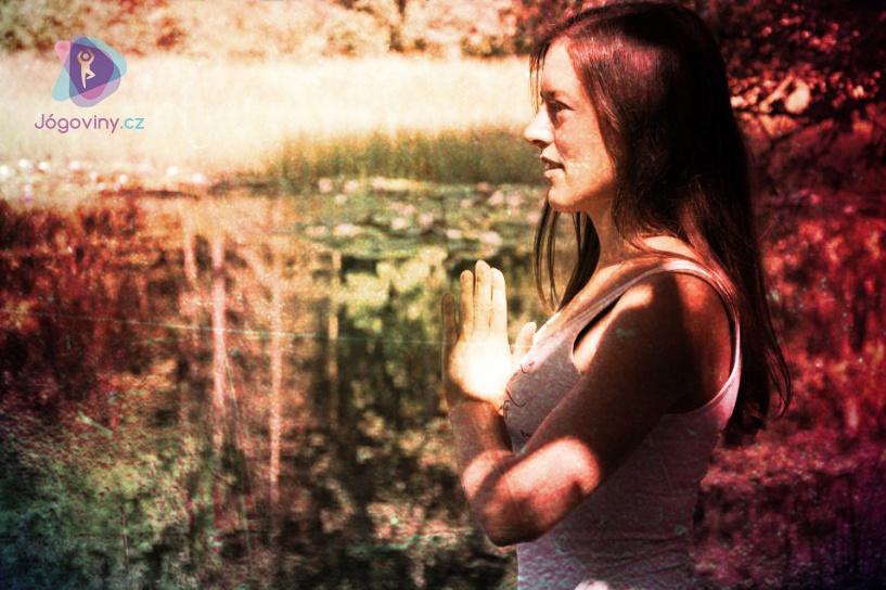 Trauma-sensitive jóga pomáhá lidem po traumatu žít v přítomnosti