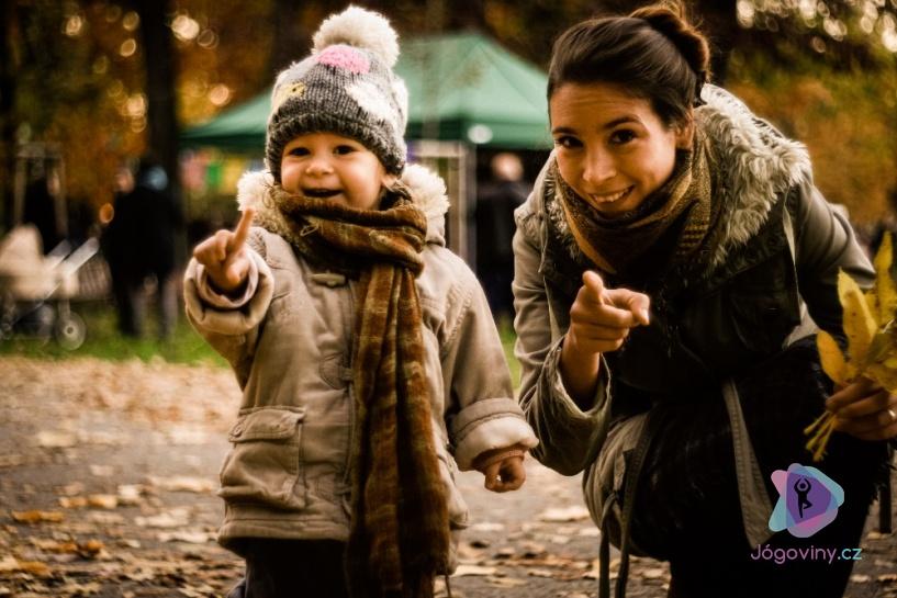 Jóga vede ke kontaktnímu rodičovství