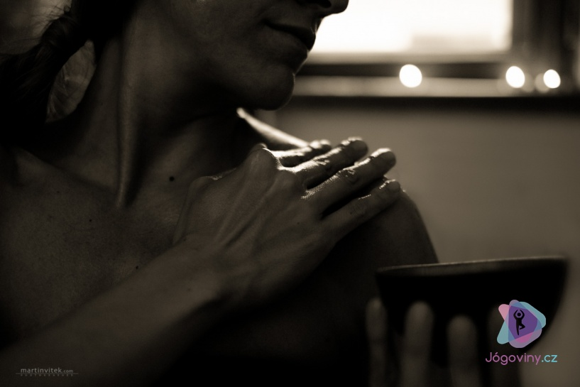 Olejová lázeň podle jógové tradice