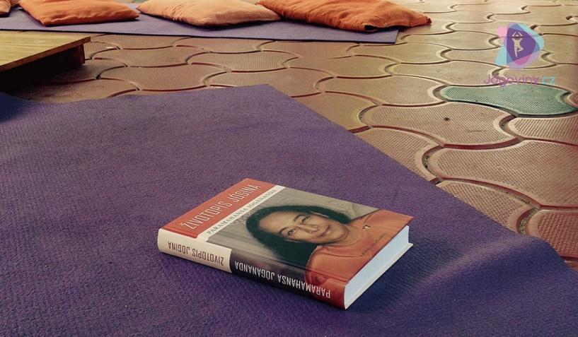 Otevírám knihu Životopis jogína