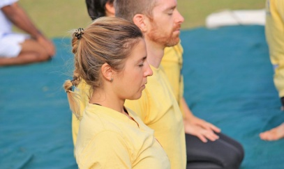 Meditace Vipassana: 10 dní v ráji, nebo peklo na zemi?